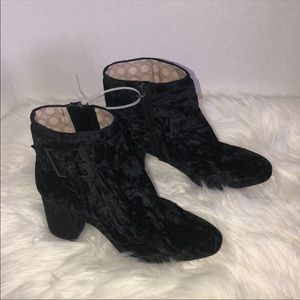 New Louise et cie Black ankle boots size 8